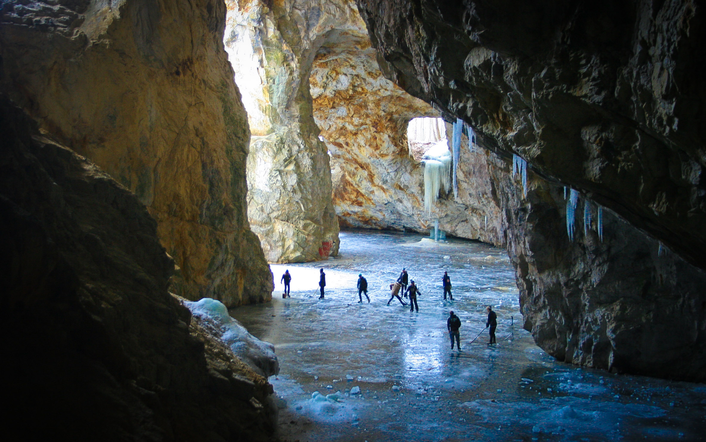 Cave hockey in abandoned Quebec mine
